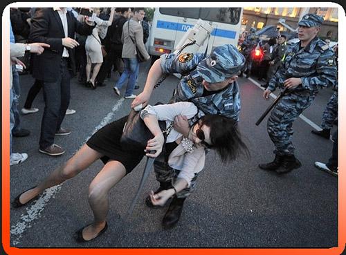 Полиции разрешат стрелять по женщинам